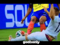 Carton rouge de Antonio Valencia lors du match France - Equateur