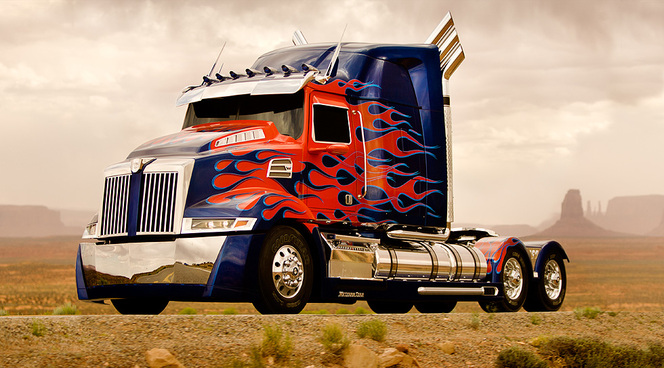 "Camion Western Star ""Optimus Prime"" Transformers 4"